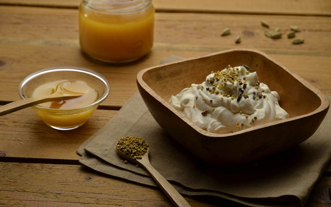 Mousse vaporetto al mascarpone, miele di eucalipto e polline