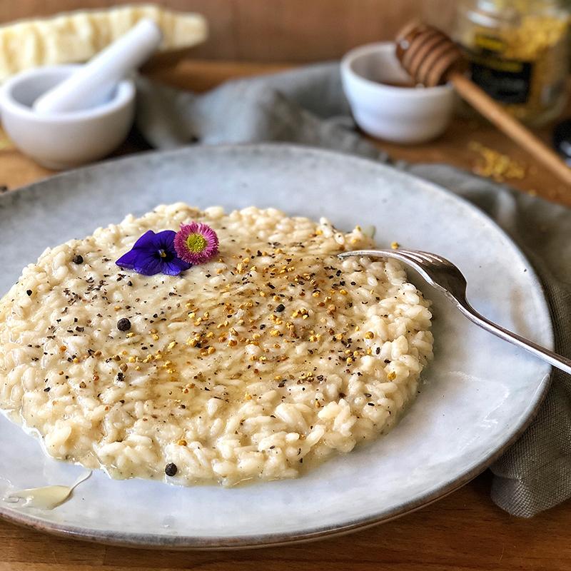 Ricetta facile risotto cacio e pepe con miele e polline italiano Mielizia