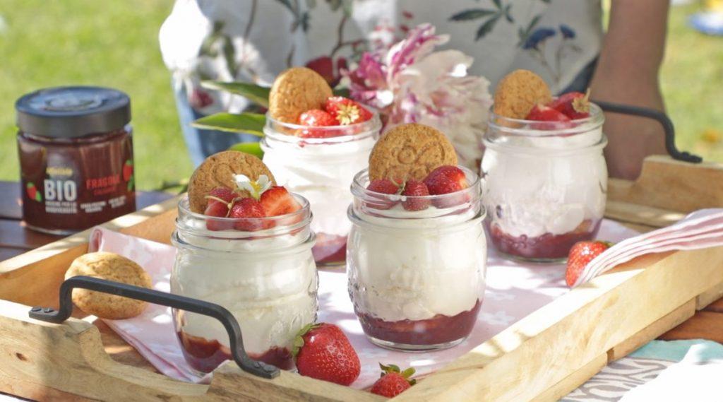 Ricetta - Mousse di yogurt e composta di fragole
