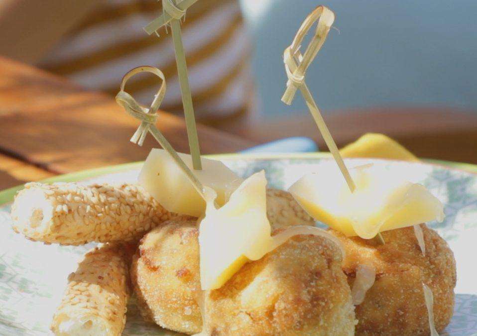 Polpettine di melanzane piccanti con miele di tiglio