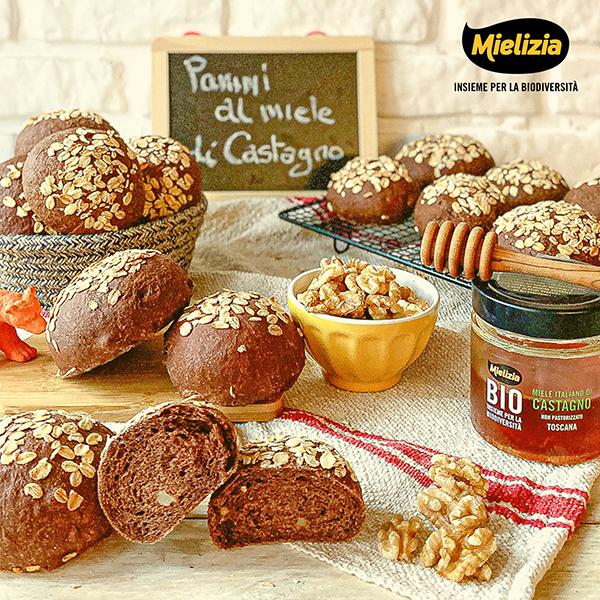 Ricetta panini al cacao e noci con miele di castagno