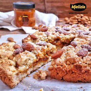 Ricetta facile per torta sbrisolona sbriciolata con mandorle e confettura albicocca