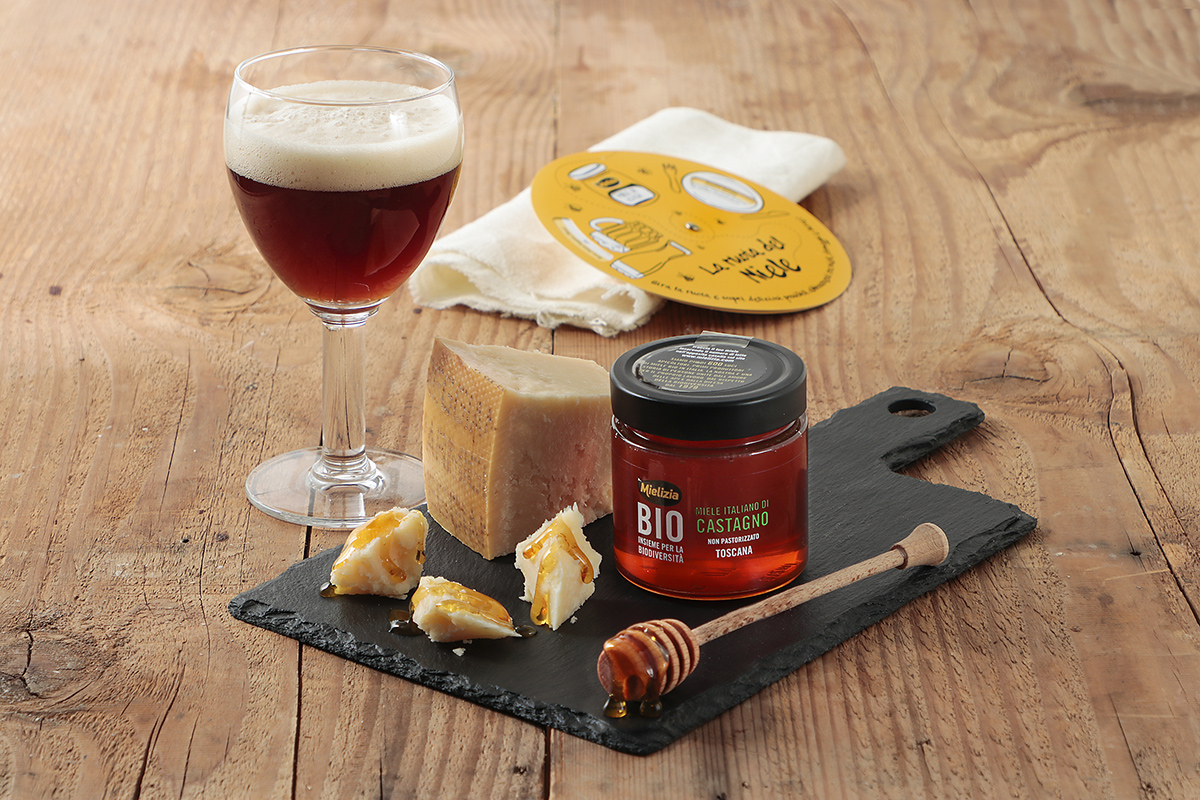Abbinamento birra dubbel trappista con miele castagno formaggio castelmagno e parmigiano reggiano