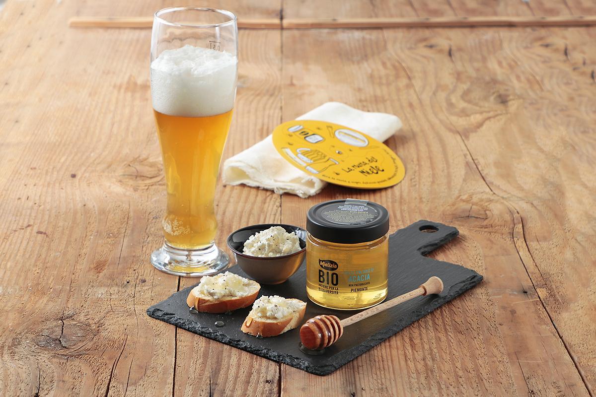 Abbinamento birra weiss miele acacia ricotta per degustazione e aperitivo
